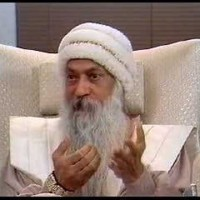 What is the legal structure of the Osho movement?